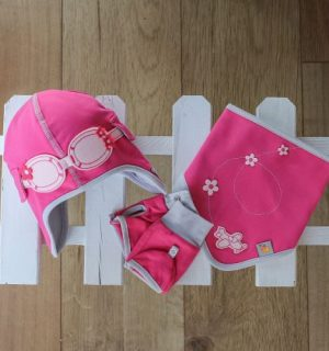 girls-gift-set-of-matching-pilot-hat-bib-gloves-dragonfly-jersey-pink