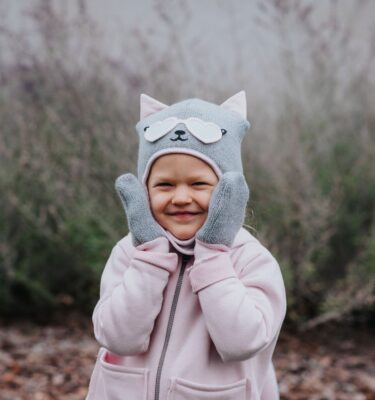 girls-pink-winter-woolly-hat-and-gloves-set