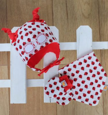 Baby Gift Set in Ladybird Red. Beanie, Hat, Bib and Mittens.