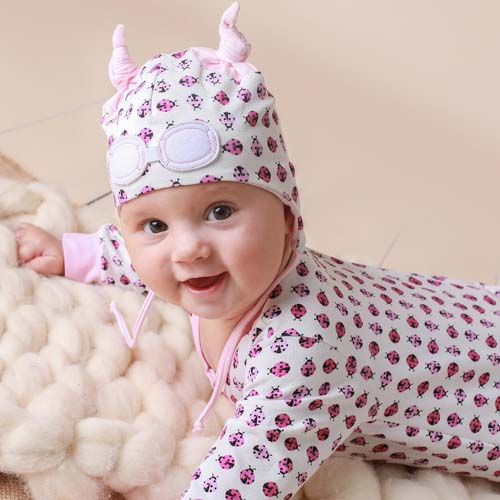 63c74954757 Baby Gift Set of Beanie Hat and Bodysuit – Pink Ladybug   My Little ...