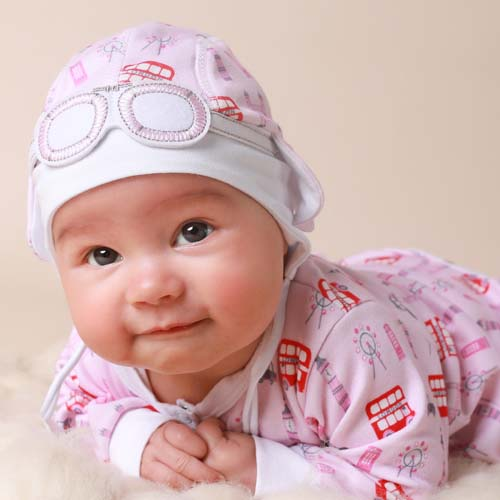 Baby Gift Set of Newborn Hat and Sleepsuit – London Bus Pink & Red
