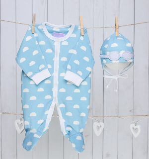 Baby Gift Set of Pilot Hat and Bodysuit – Blue Clouds