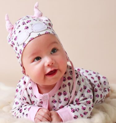 baby girl presents-baby girl gift sets-baby hats-baby clothing