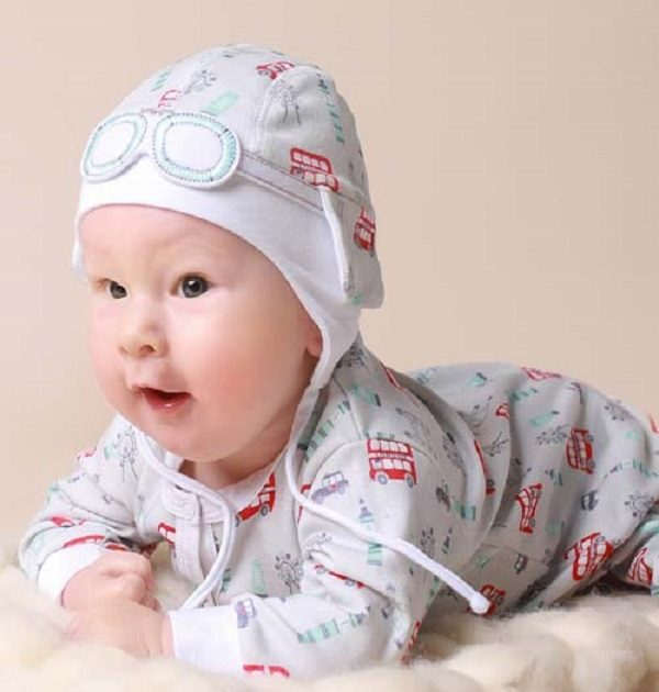 new baby gift sets-baby shower gifts-unisex baby gifts-baby hats-baby gift set
