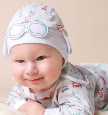 newborn-baby-hat-and-babygrow-with-London-red-buses