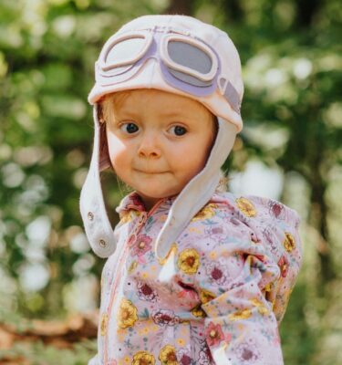 Baby-girl-pastel-pink-hat-with-goggles