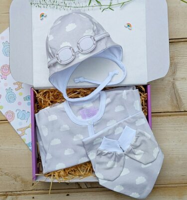 baby shower gift ideas-baby gifts-baby outfits-baby hats-baby accessories-baby boutique-british