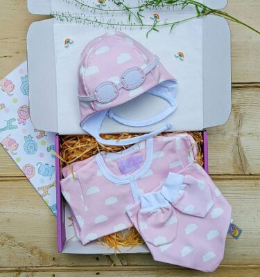 newborn-baby-clothes-baby-shower-gifts